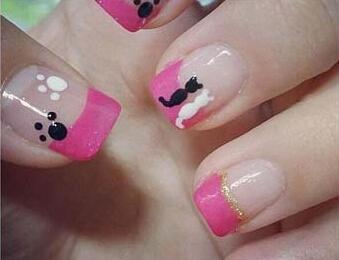 可爱的猫爪美甲图案配上鲜艳的糖果色